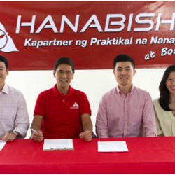L-R: Mr. Jevon Ong(VP for Finance), Vic Sotto, Jasper Ong (CEO),and Cherish Ong(VP for Marketing)